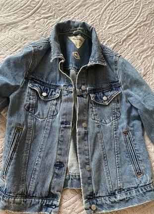 Продам джинсовый пиджак pull&bear