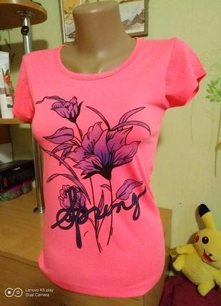 Красивая облегающая тонкая футболка-xxs-xs- новая