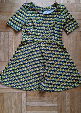 Платье геометрический принт