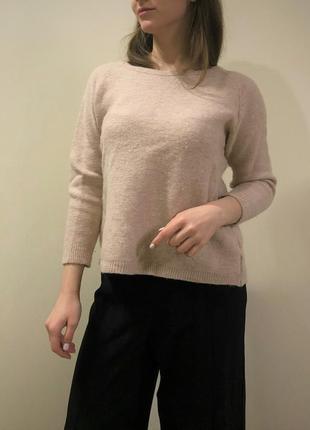 Шерстяной свитер. шерстяний світер