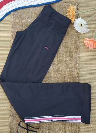 Спортивные штаны с ломпасами