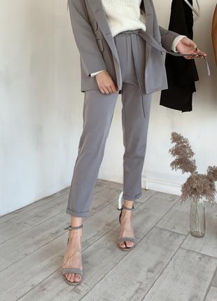 Серые брюки классические высокая посадка