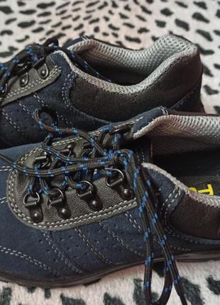 Ботинки с железным носком 39 размер