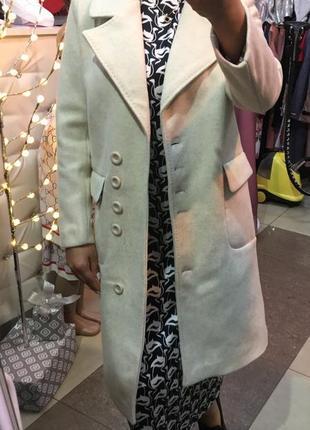 Пальто шерстяное молочного цвета