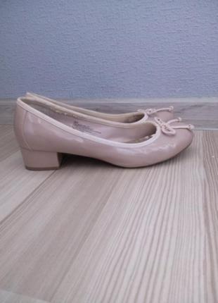 Продаю нюдовые(nude) туфли george