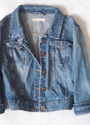 Крутой джинсовый пиджак оверсайз