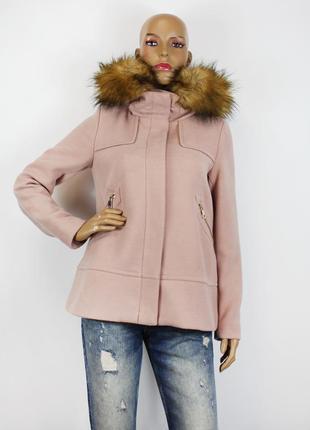 Нежно-розовое полупальто zara