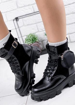 Новые женские зимние чёрные ботинки с сумочкой на ремешке