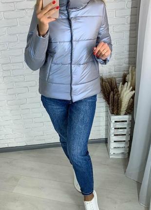 Зимняя серая куртка с жемчужным блеском без капюшона