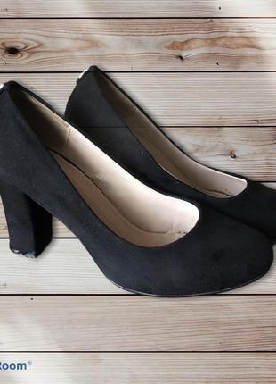 Туфли на каблуку чёрные замш