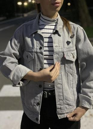 Джинсовая курточка levi's