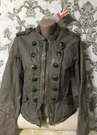 Шикарная фирменная кожаная куртка размер 44 46