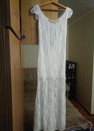 Длинное белое платье -на свадьбу или выпуск