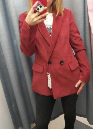 Вельветовый пиджак bershka
