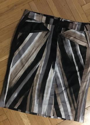 Стройнящая прямая юбка карандаш миди