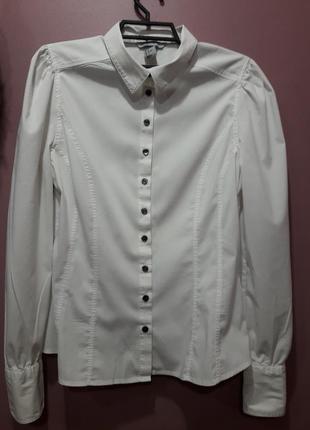Рубашка-стрейч белого цвета в винтажном стиле