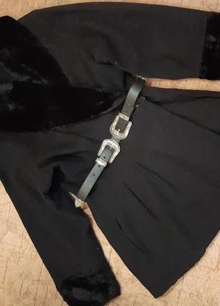 Пальто с защипами