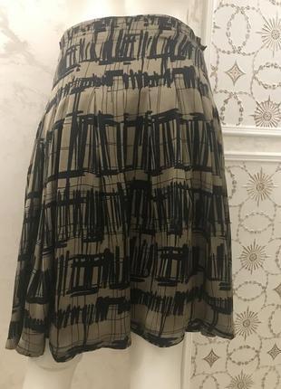 Очень красивая, стильная юбка в принт next