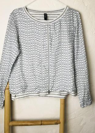 Дорогая шёлковая блуза в принт от marc cain