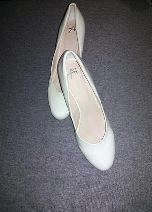 Белые туфли (свадебные)
