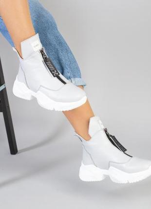 Демисезонные женские кожаные ботинки