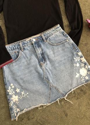 Крута джинсова спідниця