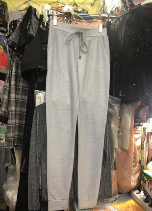 Нарядные серые брюки