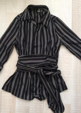 Стильная рубашка в полоску с поясом-трансформером