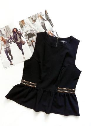 Черная блуза без рукавов с клепками на поясе warehouse