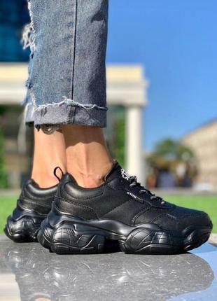 Женские кроссовки шнурок чб черные