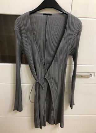 Трендовое платье на запах от sisley