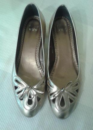 Золотистые туфли, балетки marks&spencer иск. кожа, стелька 25 см. 38 р