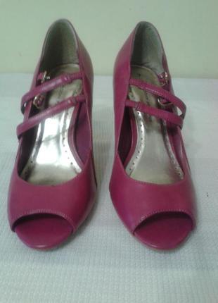 Туфли цвета фуксия с открытым носком из иск. кожи, dorothy perkins, стелька 26 см, 40 р