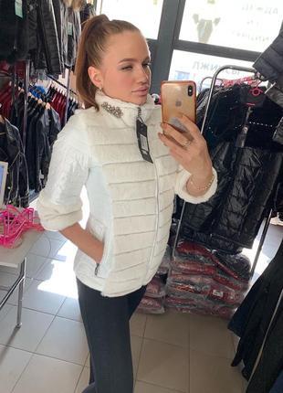 Женская стеганая белая демисезонная куртка турция  ese