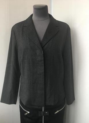 Стильный шерстянной кардиган пиджак,rene lezard