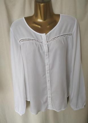 Белоснежная блуза из вискозы