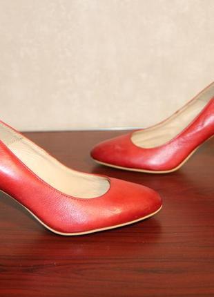 Кожаные туфли lasocki 35 р