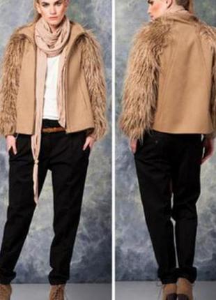 Актуальный кашемировый пиджак с рукавами из искусственным мехом ламы