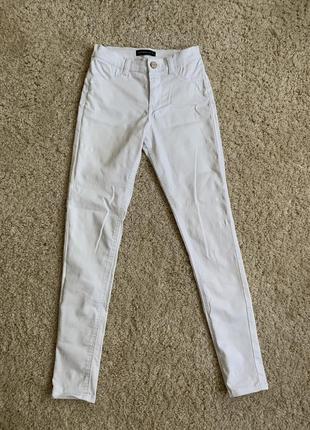 Білі штани, белые штаны, білі джинси, белые джинсы, базовые джинсы, базові білі джинси