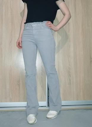 Трендовые вельветовые джинсы клеш от колена на высокий рост please италия