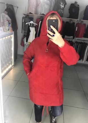 Кардиган-пальто из альпаки на молнии в красном цвете