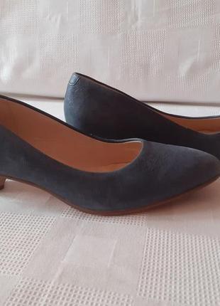 Clarks кожаные туфли шкіряні туфлі р. 37 ст. 25 см с носиком