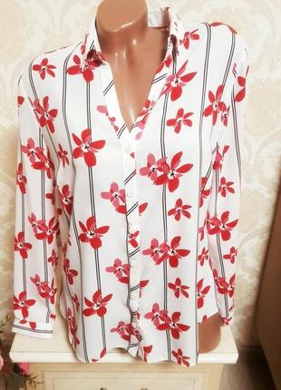 Красивая контрастная блуза