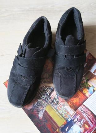 Туфли на липучках, кроссовки