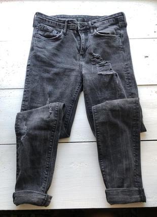 Рваные джинсы3 фото