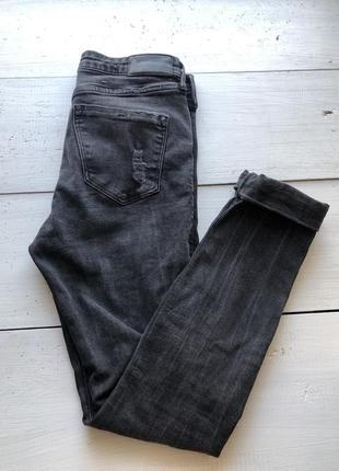 Рваные джинсы4 фото