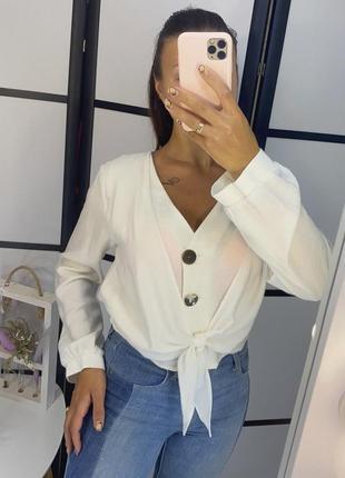 Блуза белая с завязкой , новая , с красивыми пуговицами , размер l