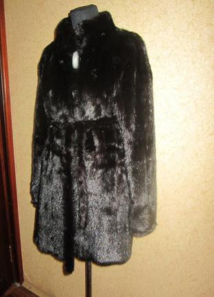 Норковая шуба.черная. длина-80 см. р. 42-44
