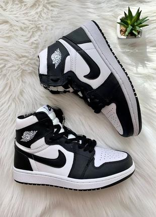 Nike air jordan 1 retro black white