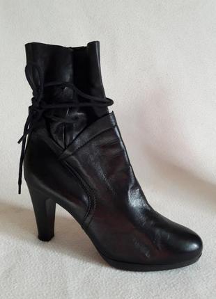 Натуральные кожаные ботинки, сапоги фирмы laredoyte p. 40 стелька 26 см